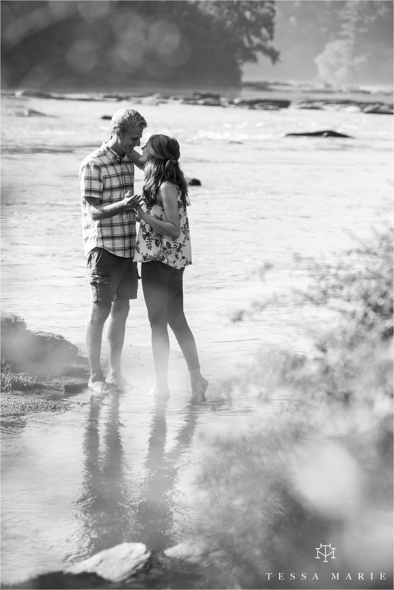 tessa_marie_studios_engagement_pictures_by_the_river_tessa_marie_weddings_0027