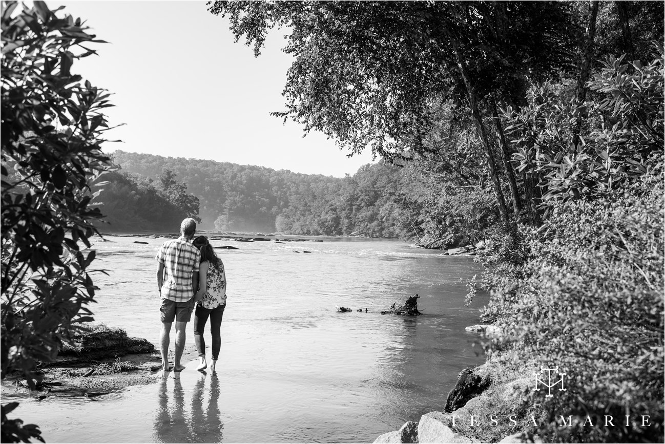 tessa_marie_studios_engagement_pictures_by_the_river_tessa_marie_weddings_0028