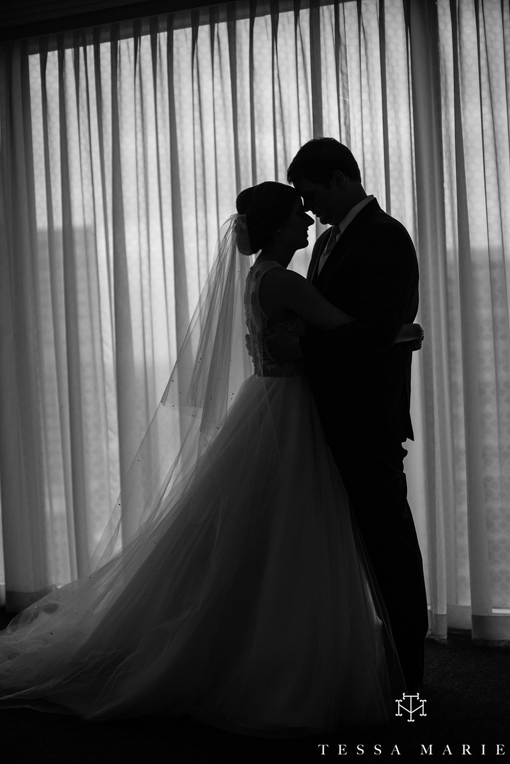 atlanta_wedding_photographer_tessa_marie_weddings_lowes_hotel_peachtree_midtown_fall_wedding_0203.jpg