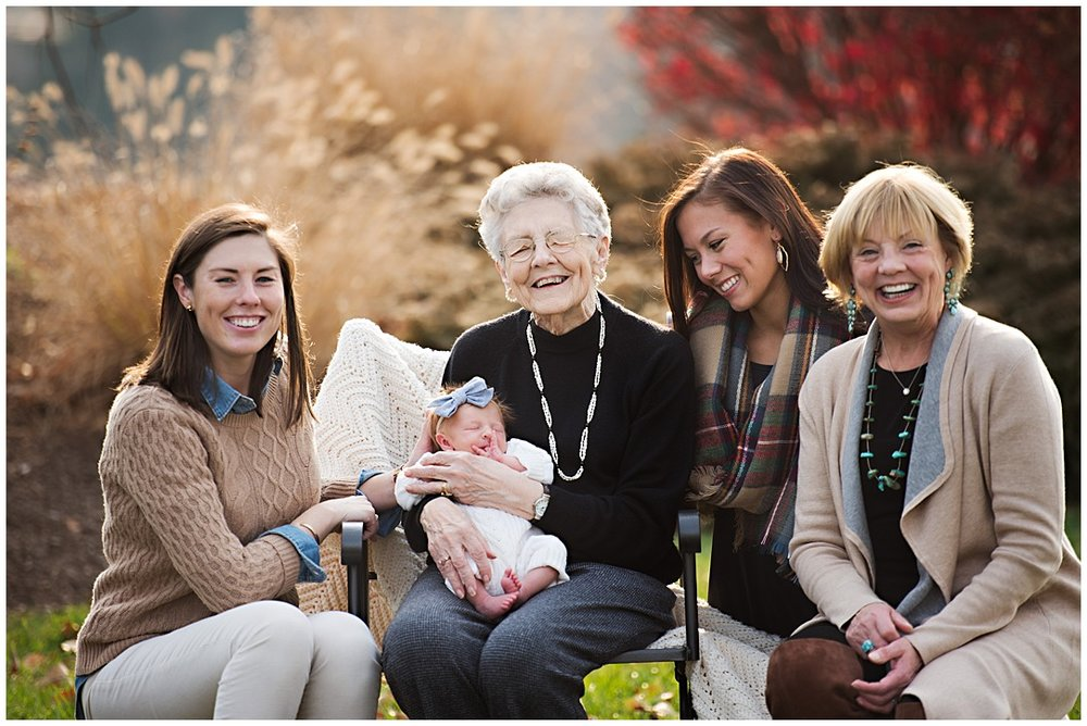 Tessa_marie_photography_family_portrait_photographer_mother_daughter_family_sessions_timeless_elegance_Vogue_magazine_style_portraits_contemporary_portraits_0135.jpg