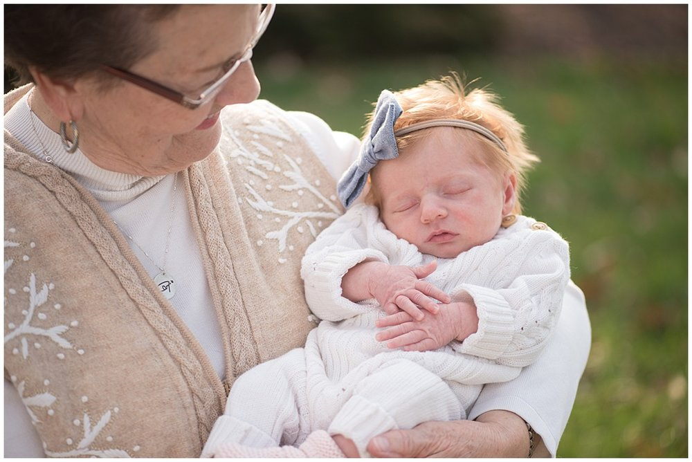 Tessa_marie_photography_family_portrait_photographer_mother_daughter_family_sessions_timeless_elegance_Vogue_magazine_style_portraits_contemporary_portraits_0139.jpg