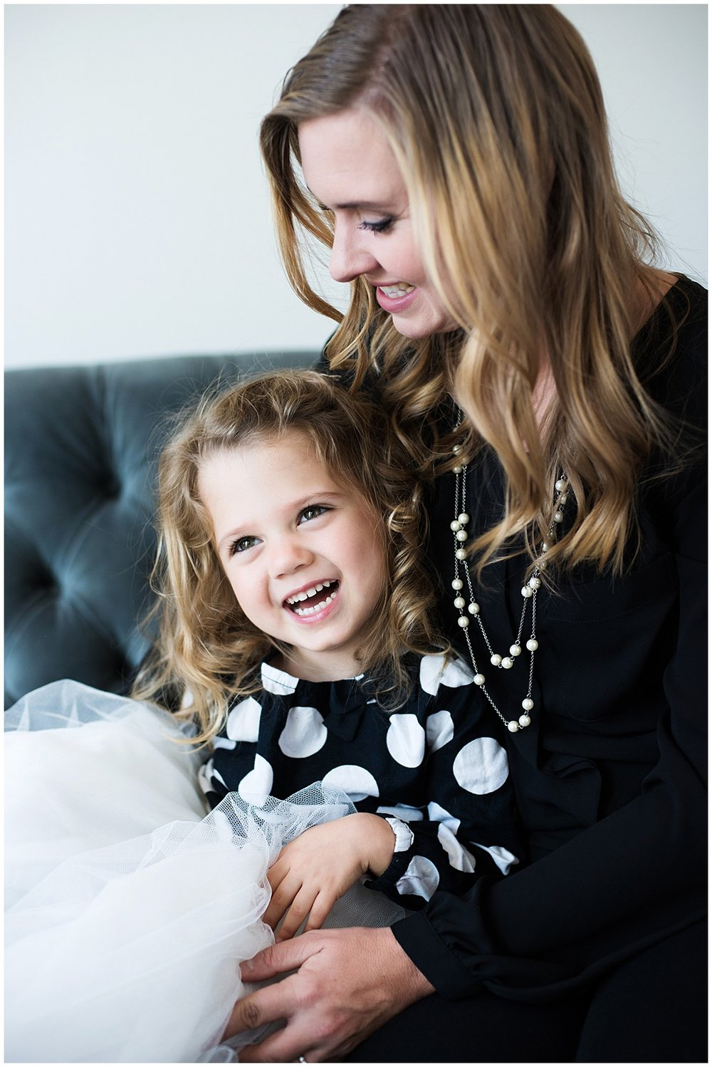 Tessa_marie_photography_family_portrait_photographer_mother_daughter_family_sessions_timeless_elegance_Vogue_magazine_style_portraits_contemporary_portraits_0148.jpg