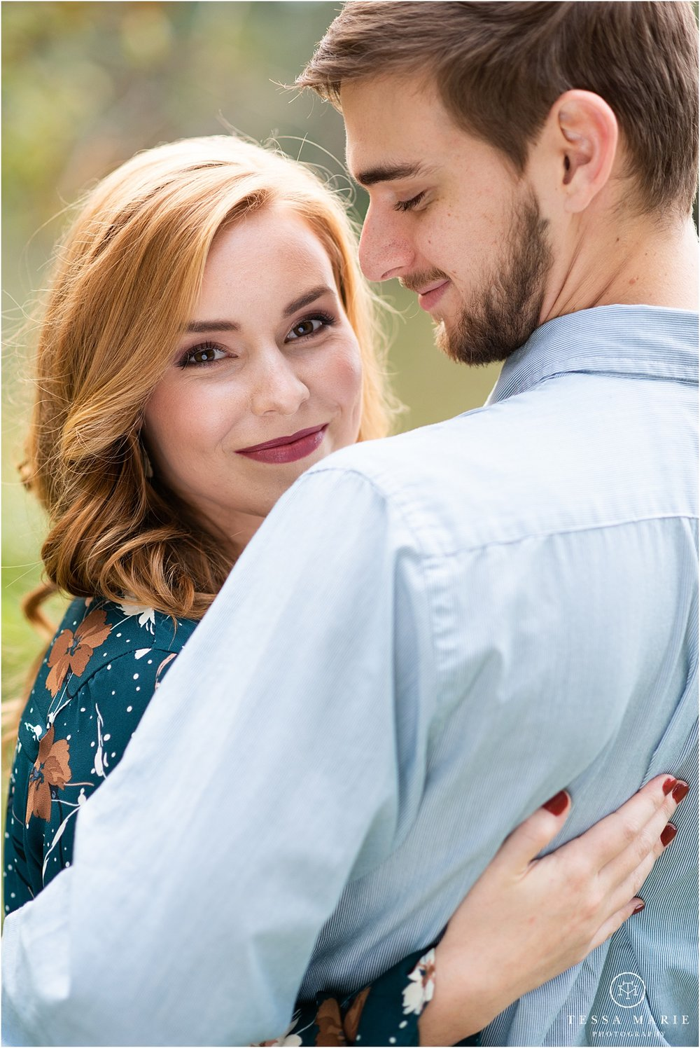 Tessa_marie_photography_wedding_photographer_engagement_pictures_river_engagement_0006.jpg