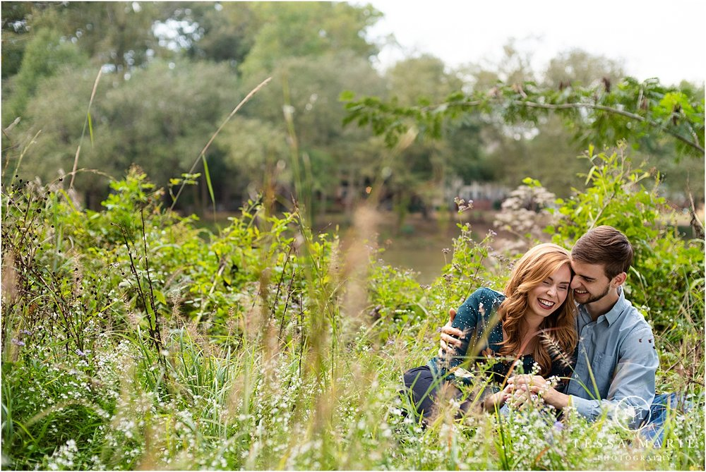Tessa_marie_photography_wedding_photographer_engagement_pictures_river_engagement_0009.jpg