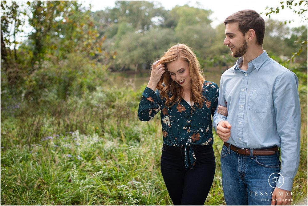 Tessa_marie_photography_wedding_photographer_engagement_pictures_river_engagement_0011.jpg