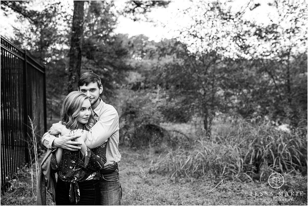 Tessa_marie_photography_wedding_photographer_engagement_pictures_river_engagement_0018.jpg