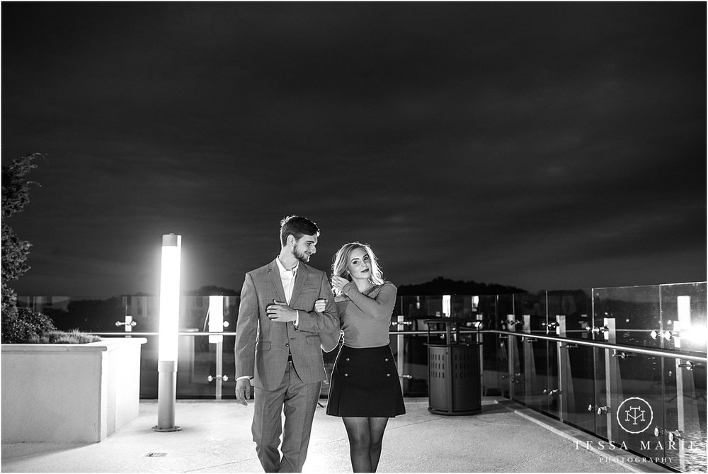 Tessa_marie_photography_wedding_photographer_engagement_pictures_river_engagement_0027.jpg