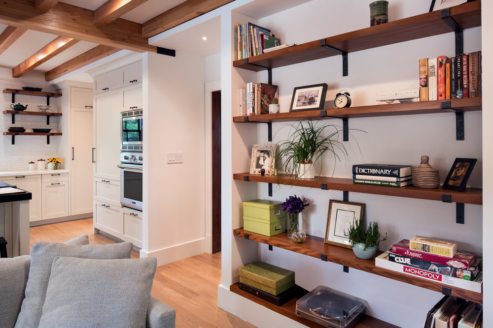 180522_923_Ordway_Kitchen-Family_Room_Shelves.jpg