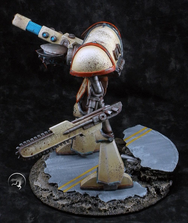 adeptus-mechanicus-knight-titan-side2.jpg