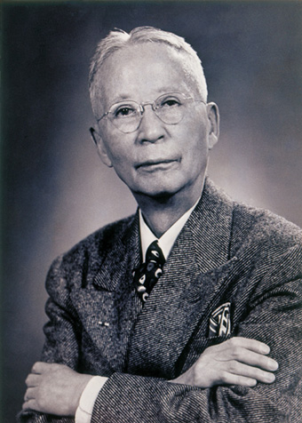 https://commons.wikimedia.org/wiki/File:Dr._Seo_Jae-pil.jpg