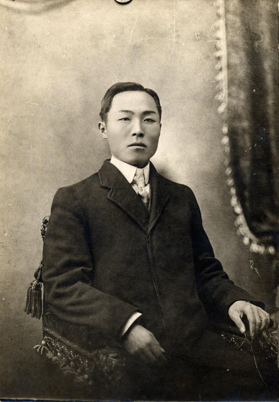 1910Dosanshave360.jpg