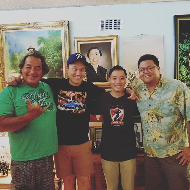 Big thank you to @therealjohnkim and @thesurferartist who came out to do a podcast with us. Keep an eye out for this one, where we talk about surfing, Stoned magazine, and the surfing trend in Korea. Also, check out Stoned magazine where a Flip was featured!! #koreanamericanheritagepodcast #koreanamerican #kahp #stonedmagazine #koreanamericansurfing #koreansurfing #ineededadictionarytokeepupwiththelingo #koreanamericanhistory