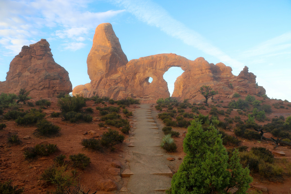 Plan your next road trip with this free guide detailing 5,000 miles through 12 National Parks!