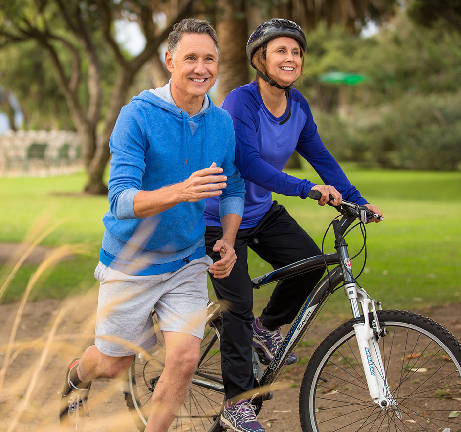 medical-travel-shield-cosmetic-travel-insurance-older couple running