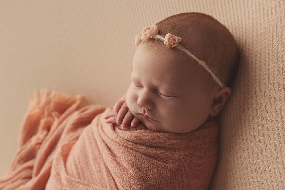 newborn-photography-london14.jpg