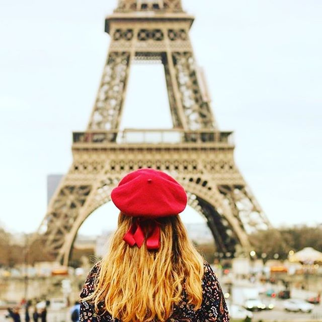Don't be a tourist - #learnfrench so you can feel like a local 🇫🇷🥐 #lingoeducation #frenchinlondon #learnfrenchonline #french #feellikeaparisian #howtobeaparisian #frenchlessons #london #lingo #languages #languageschool