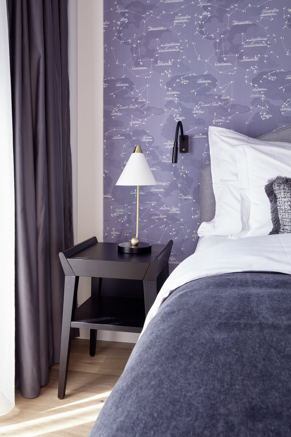 Tortue suite with Night Sky wallpaper in custom Lavender