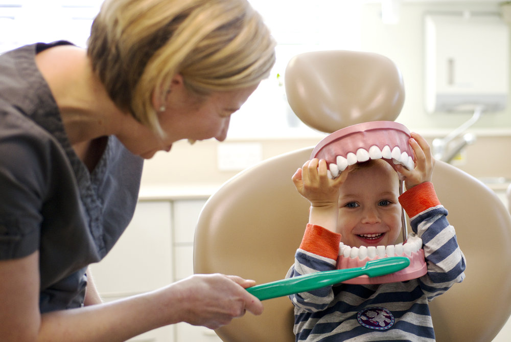 Let your child grow up with happy dental experiences -