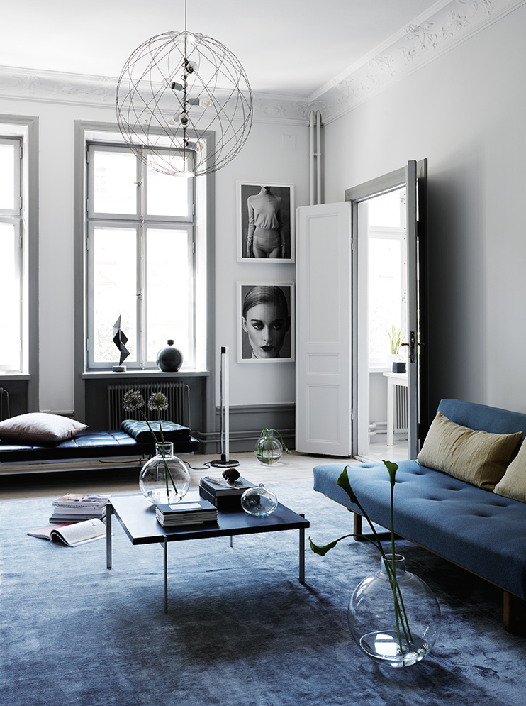 A dreamy black & blue apartment