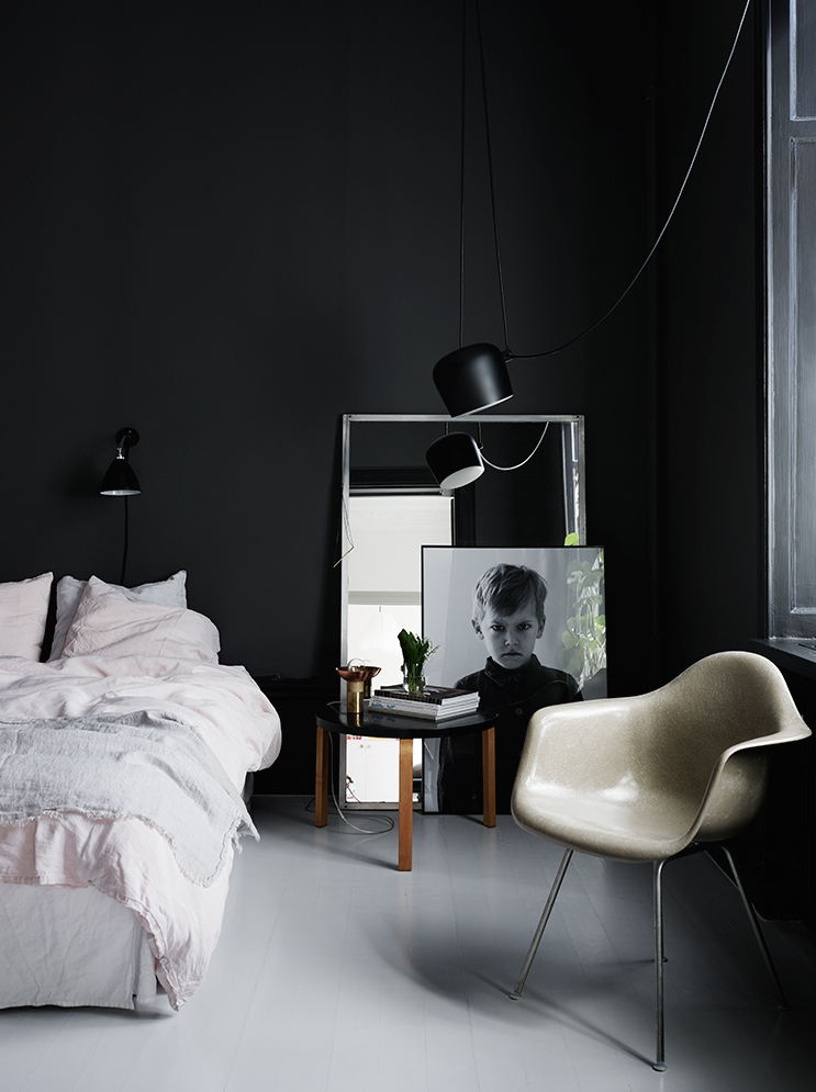 black-bedroom.jpg