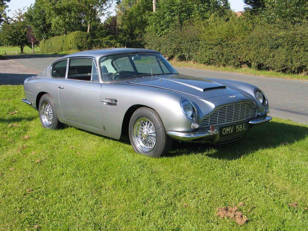 Longford Coachworks Aston Martin DB6 (3).jpg
