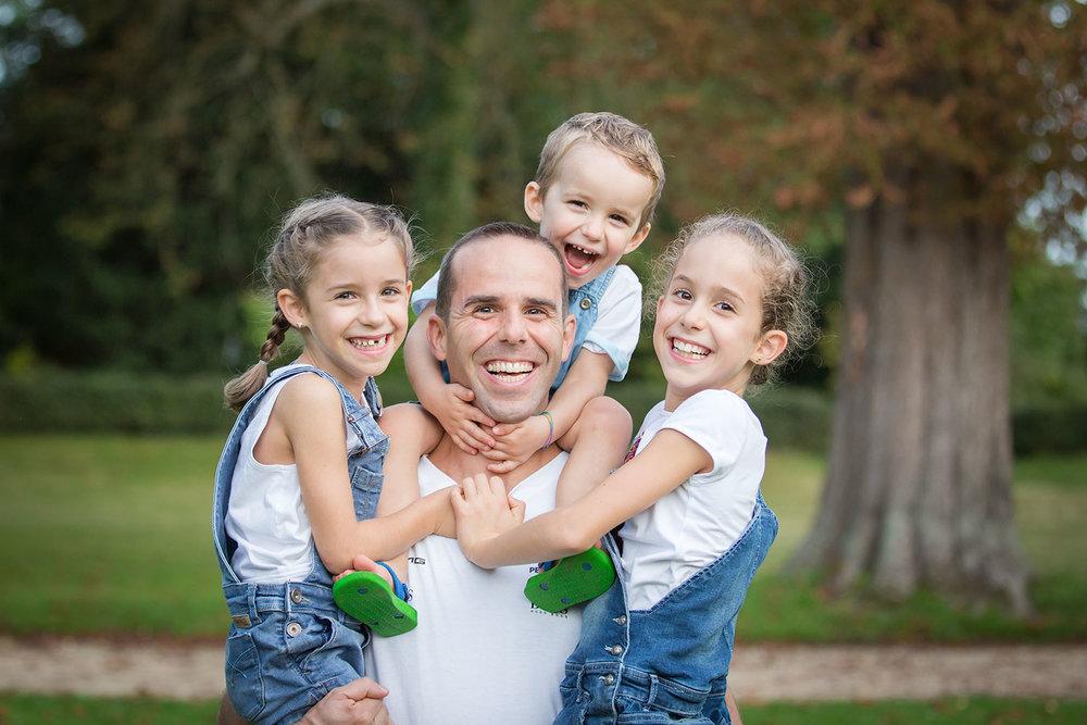 seance photo-famille-saint germain en laye-10.jpg