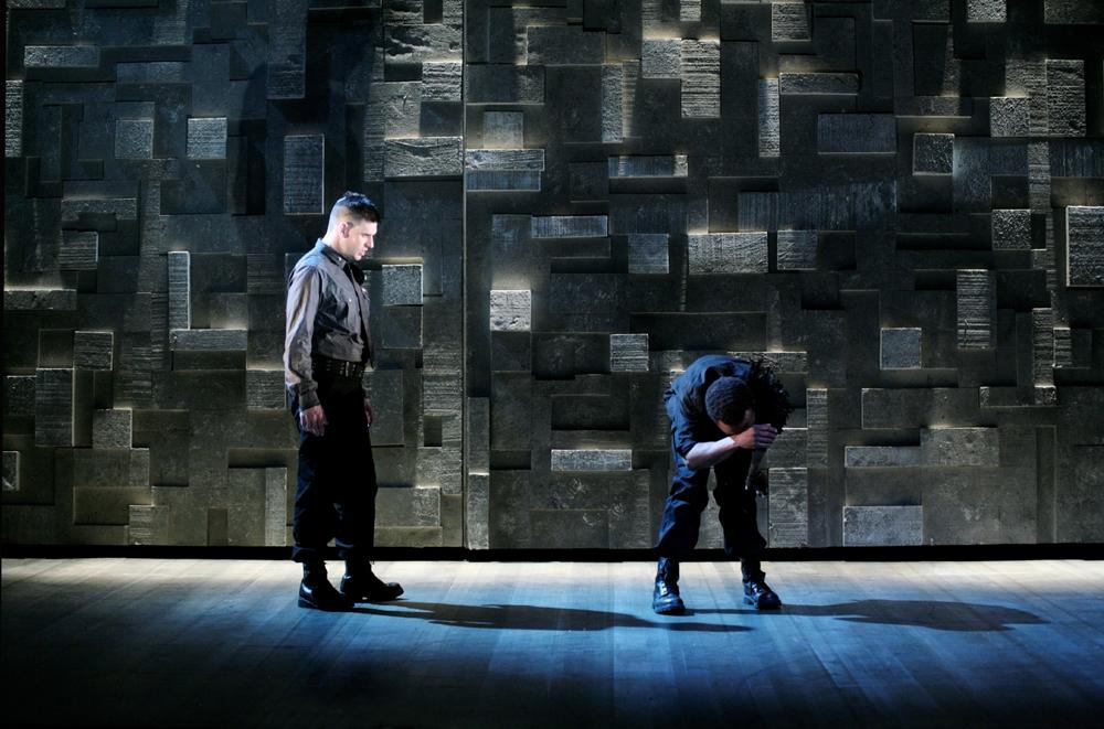 OTHELLO - Citizens Theatre, Glasgow UK