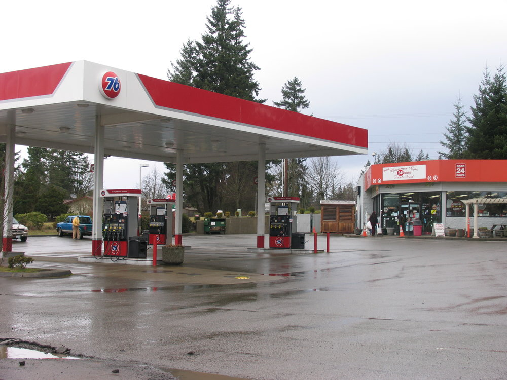 76 Station South Kitsap Boulevard, Port Orchard, WA.JPG