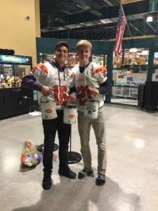 West Valley High School DECA Tackles Hunger