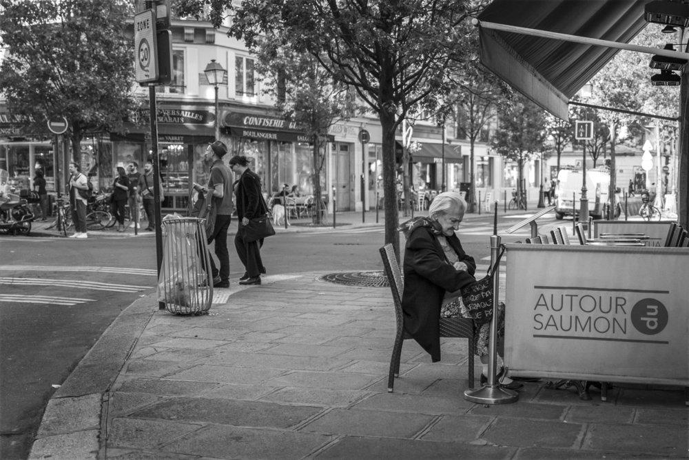 paris_street_corner.JPG