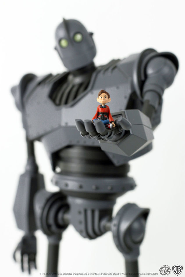 Iron-Giant-figure-Mondo-1ig2_636.jpg