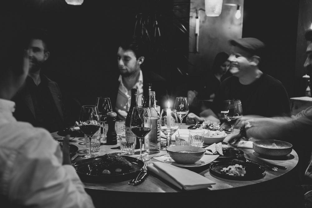 Razmataz_eten in Amsterdam met groep.jpg
