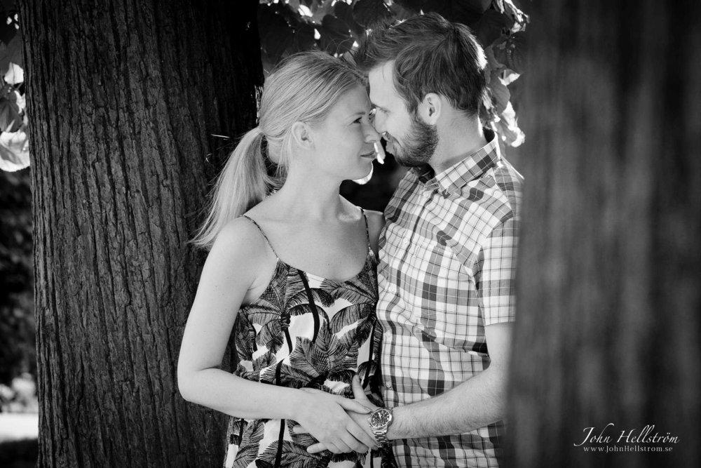 Mia-Tobias-Forlovningsfoto-John-Hellstrom-67-e1460468191473.jpg