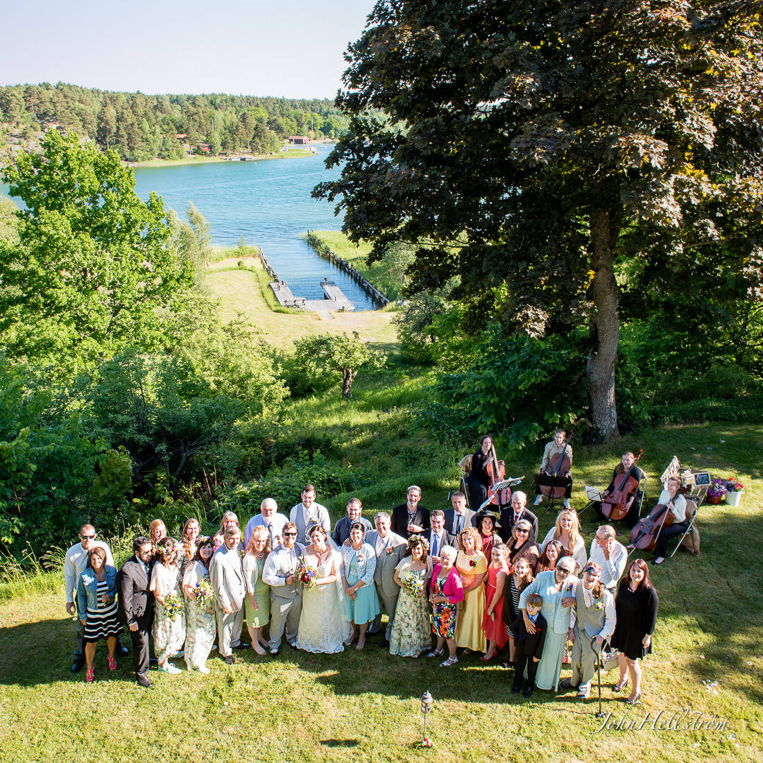 wedding-group-archipelago-stockholm-sweden