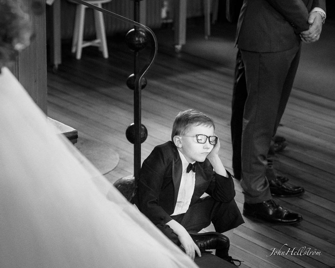 Wedding-ceremony-Stockholm-sleeping-boy-2016-3