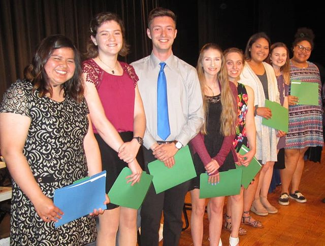 Congratulations to the Liberty High School recipients of the Alice and William Foundation Scholarship! These graduates worked diligently to demonstrate their commitment to education and excellence. We look forward to see what the future holds in store for these young adults.  @heather_wotton @_heatherlodge_ @http.syd19  #Fauquier #scholarship #smart #college ##university #education #gift #thankyou