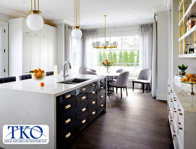 We're equipped to handle any scale project! Whether it's a kitchen build or remodel for one property or an entire apartment building or development, our experienced design team is here to help!