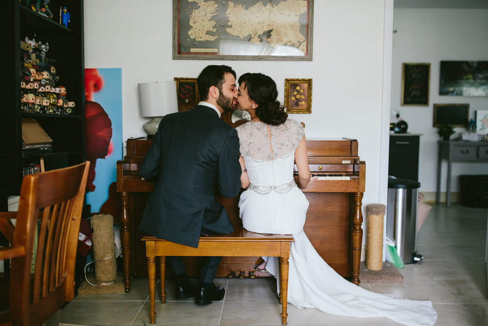 bride_and_groom_in_home_session_wedding_fort_lauderdale_photographer_steph_lynn_photo-7.jpg
