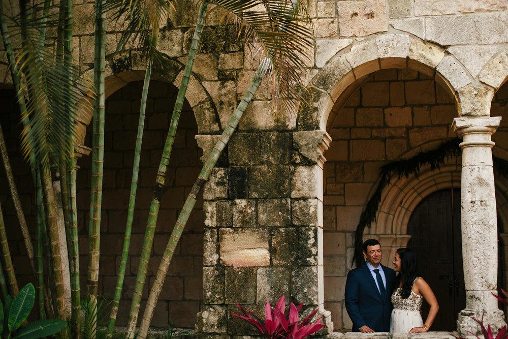 wedding-day-bride-and-groom-tiny-house-photo.jpg