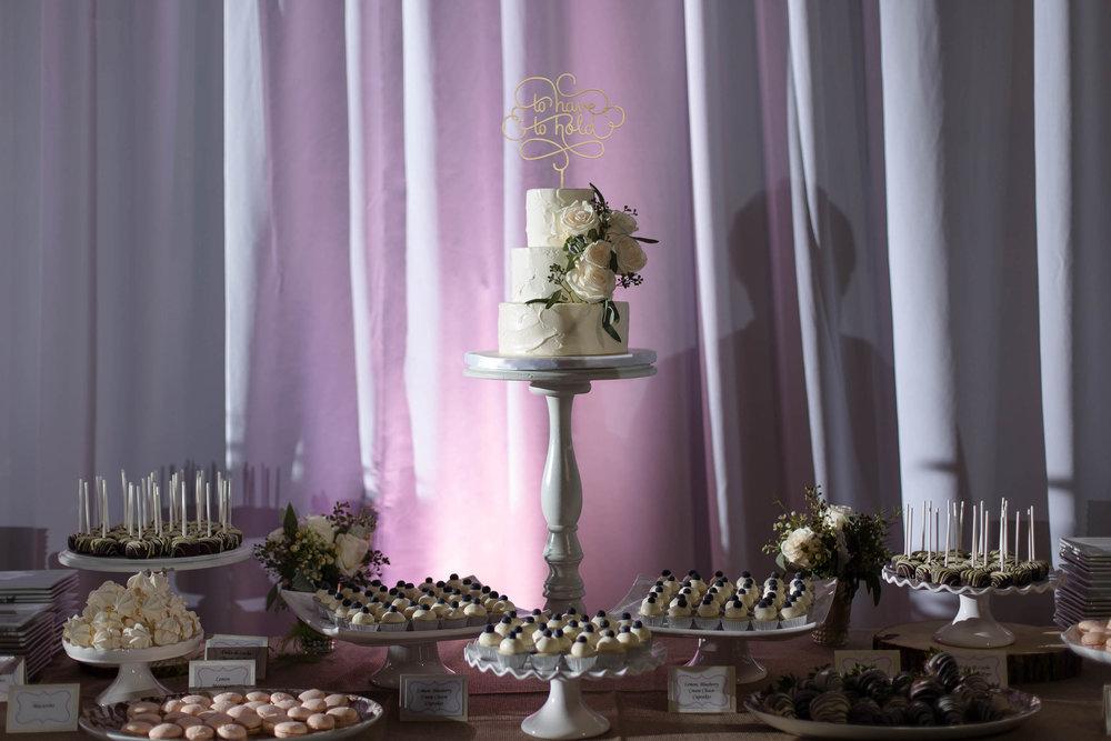 amazing_wedding_cake_tiny_house_photo_coconut_grove_miami_weddings.jpg
