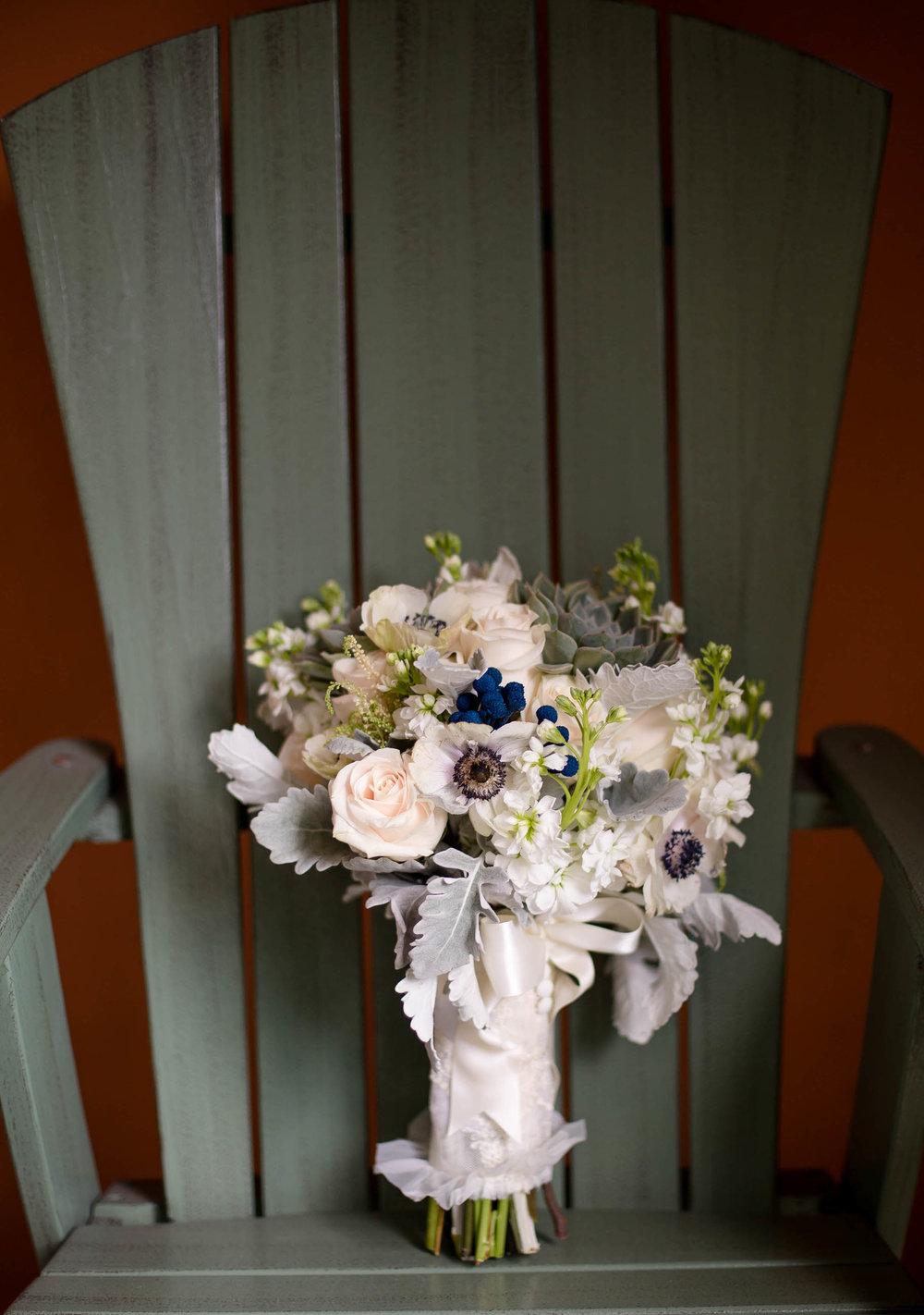 bridal_bouquet_wedding_details_tiny_house_photo_stephanie_lynn_photography.jpg