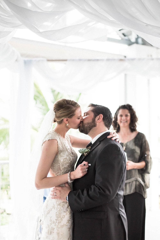 married_wedding_photography_tiny_house_photo_stephanie_lynn.jpg