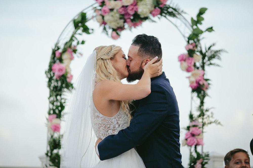 bride-groom-kiss-wedding-photographer-tiny-house-photo-florida-weddings-hillsboro-beach-club.jpg