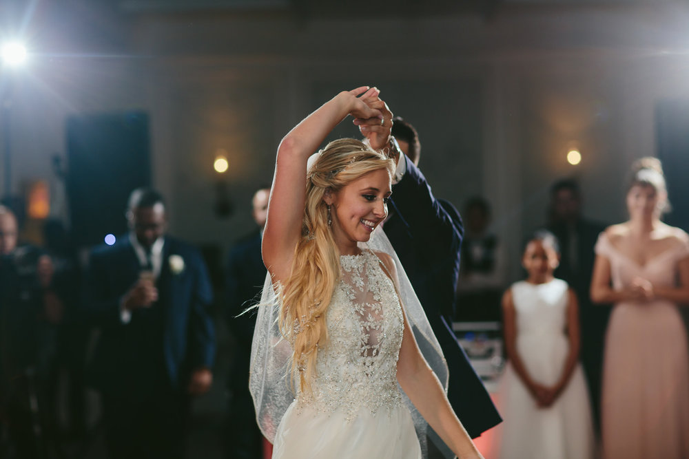 first-dance-wedding-photography-tiny-house-photo.jpg