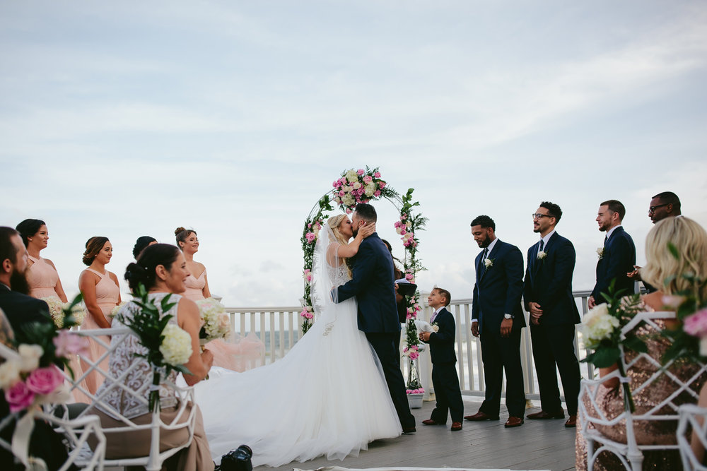 the-kiss-wedding-married-ceremony-beach-weddings-tiny-house-photo-florida-photographer.jpg
