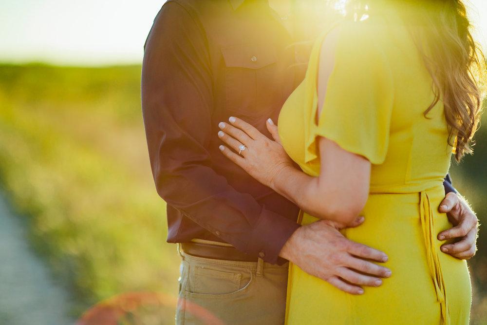brooklyn-adventure-photographer-engagements-elopements-weddings-tiny-house-photo.jpg