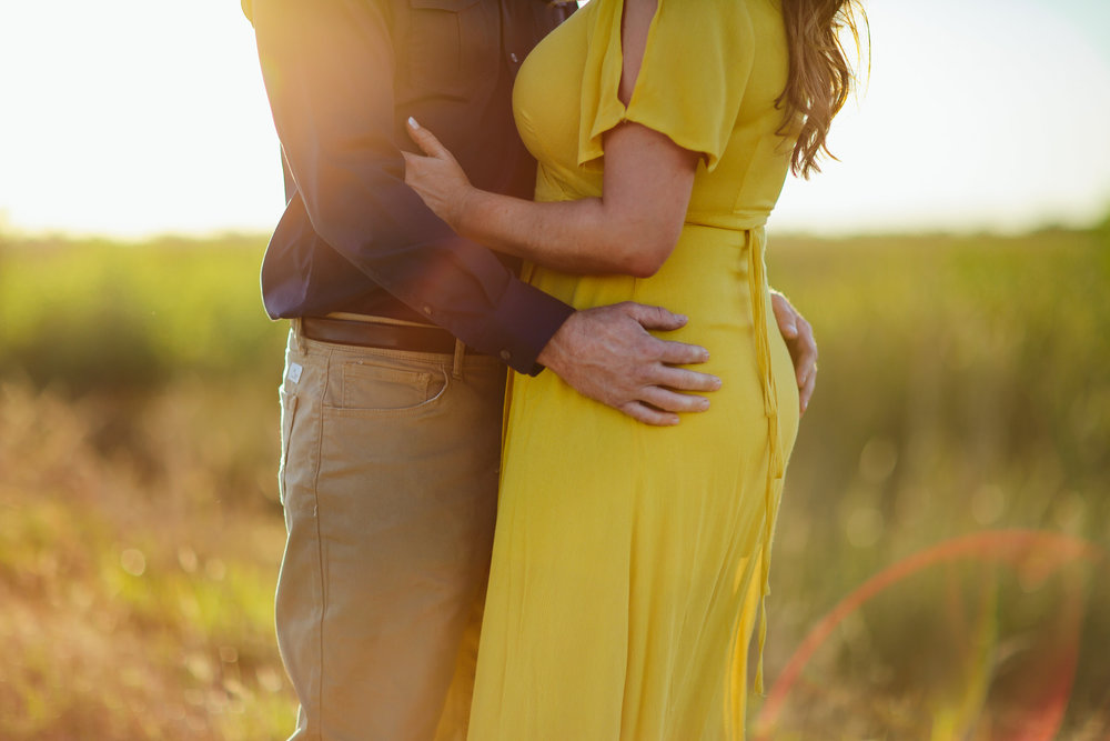 nature_love_couple_elopements_weddings_tiny_house_photo_colorado.jpg