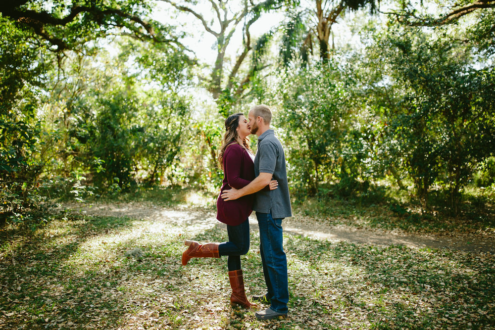 magical-forest-engagement-portraits-tiny-house-photo-emotional-moments.jpg