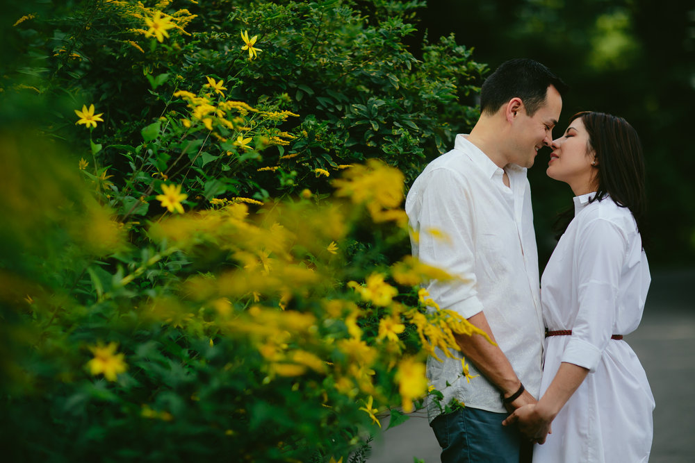 brooklyn_nyc_wedding_engagement_elopement_photographer_travel_destination_tiny_house_photo.jpg