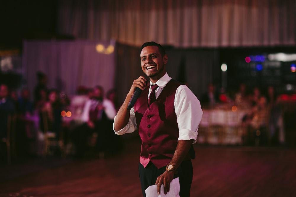 best_man_speech_tiny_house_photo_wedding_moments.jpg